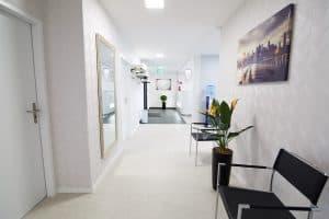 Korridor vorne im Augenzentrum
